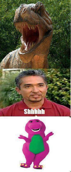 cesar milan adiestrando a un dinosaurio se convierte en barney