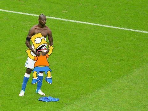 jugador de futbol ahorcando a bart simpson