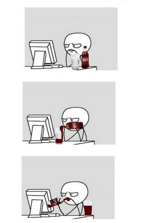 sirviendo coca cola en un vaso y tomar de la botella memes